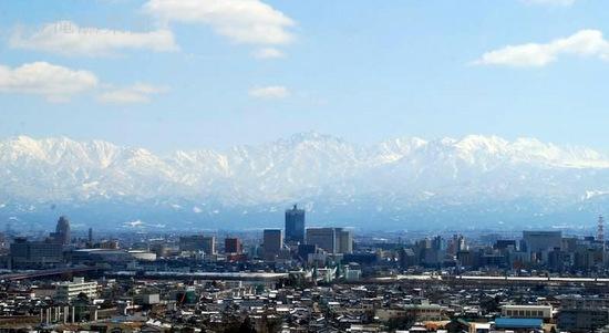 呉羽山公園展望台から望む富山市街